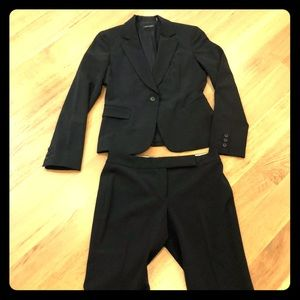 Tahari black suit jacket with pants size 4